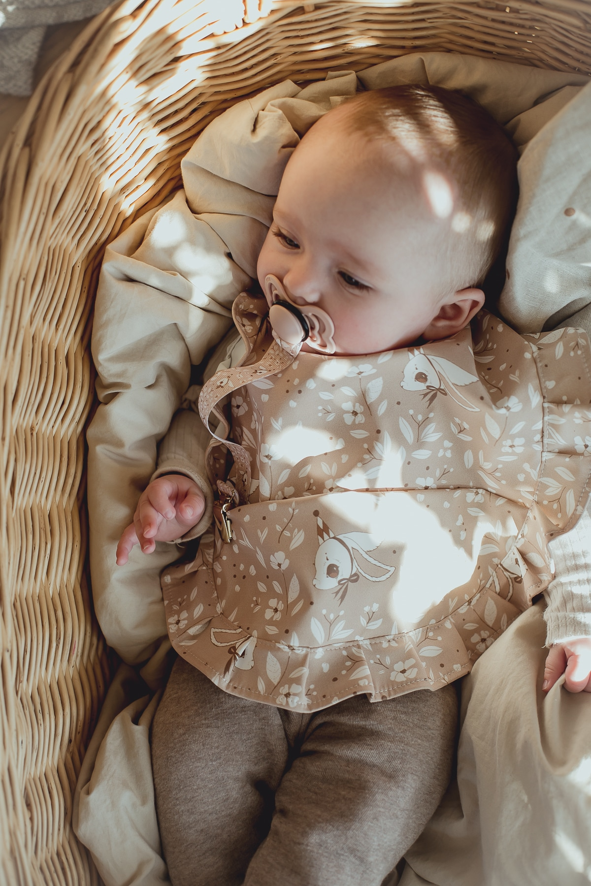 Baby_bib_pink_bunny_Mrs_Mighetto